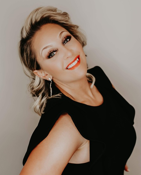 Makeup Beauty Parlour Is A Makeup Studio And Beauty Salon Located In Niagara Falls Ny We Offer Makeup Spray Tanning Lash Extensions Hair Services And Brow Shaping Meet The Talent